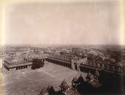 General view of Fatehpur Sikri, from the top of the Buland Darwaza, looking towards the Agra Gate